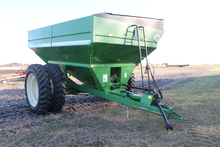 BRENT 774 GRAIN CART, CORNER AUGER, REAR LIGHTS,