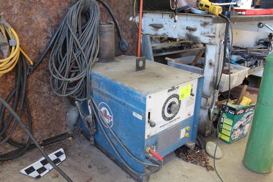 Miller Arc Welder >> Miller Arc Welder Dialarc 250 Ac Dc Farm Machinery