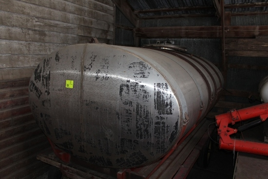 1,200 GALLON STAINLESS STEEL TANK, USED FOR WATER