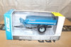 1/64 KINZE MODEL 1300 GRAIN CART WITH FLOTATION