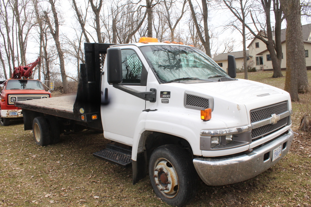 *** 2004 CHEVY C4500 SINGLE AXLE TRUCK,