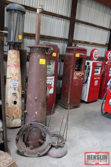 VISABLE HAND GAS PUMP FOR PARTS FOR RESTORATION,