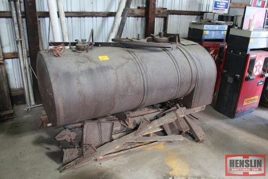 STEEL BUTLER 3 COMPARTMENT FUEL DELIVERY TANK