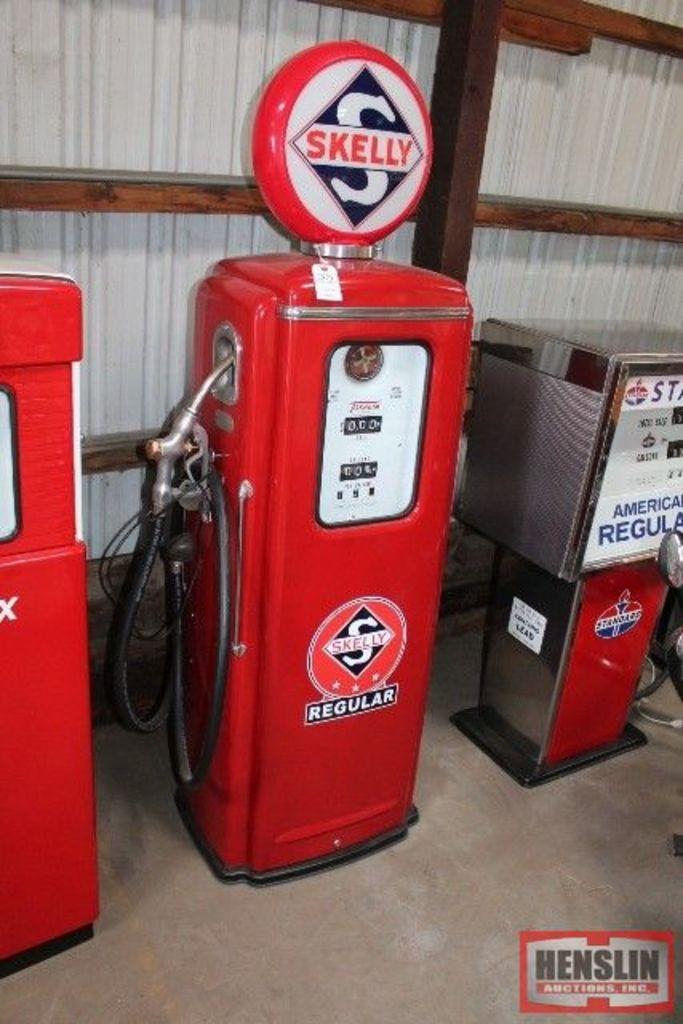 TOKHEIM SHORT #39 GAS PUMP (CABINET ONLY, NO GUTS)