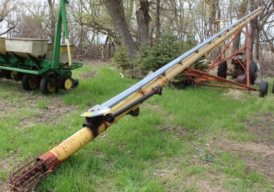 "WESTFIELD 8"" X  61' AUGER, PTO"