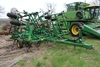 JD 980 26' FIELD CULT, WALKING TANDEMS ON