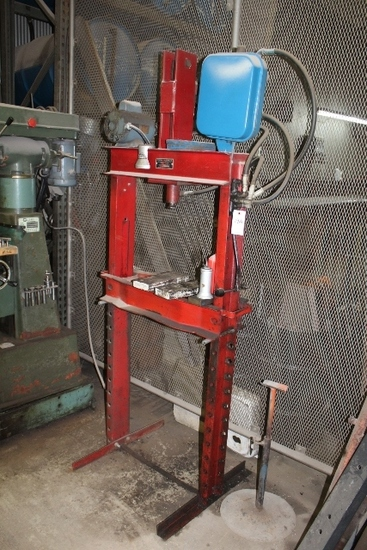 RED ARROW PRESS, APPROX 3 TON