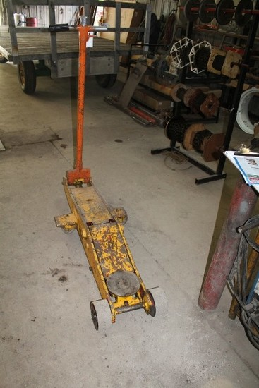 BLACK HAWK 10 TON FLOOR JACK