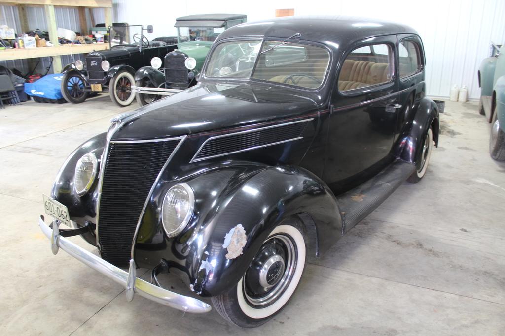 ***1937 FORD SEDAN, ORIGINAL  INT, FLATHEAD V-8,