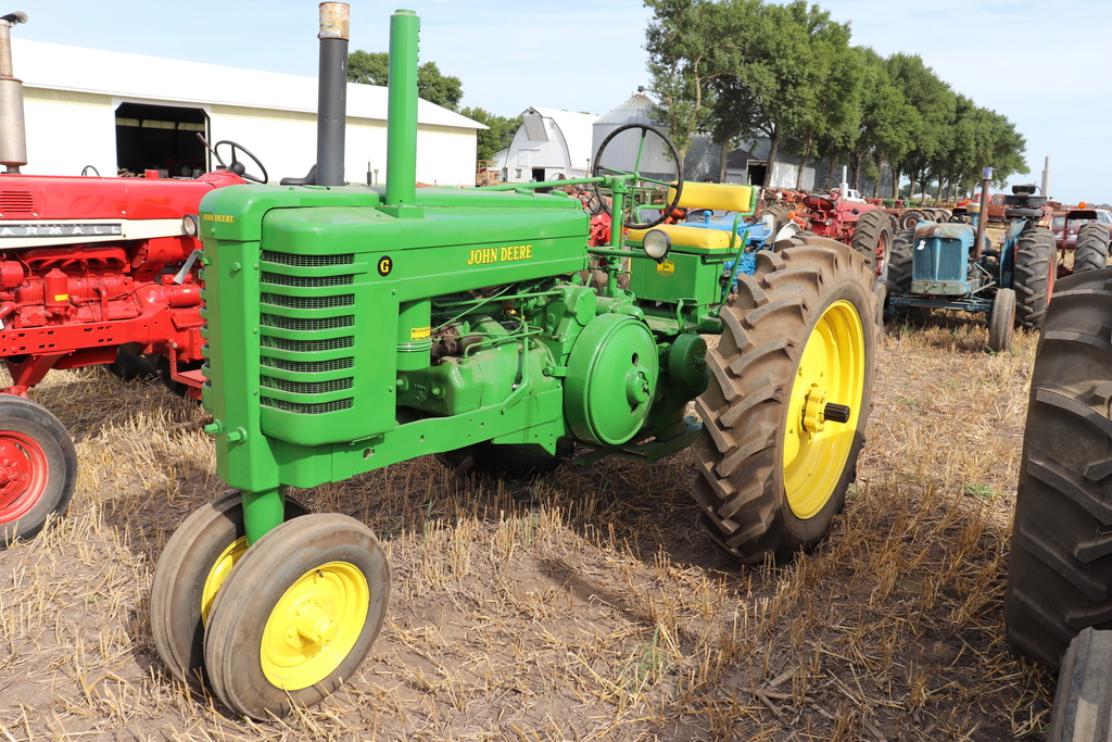 1950 JOHN DEERE G, RESTORED, NF, ROLL-O-MATIC,