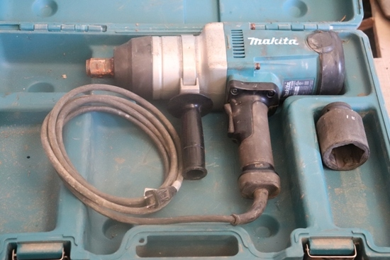 "MAKITA 1"" ELECTRIC IMPACT IN CASE"