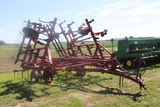 CASE IH 4800 26' VIBRA SHANK FIELD CULT, WALKING TANDEMS, 3 BAR HARROW, HYD FOLD