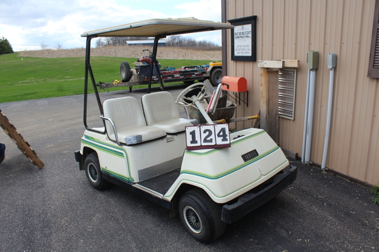 YAMAHA 4 WHEEL GOLF CART, GAS, CANOPY,