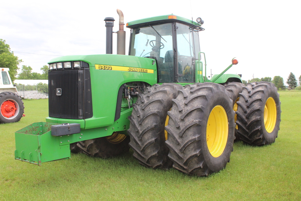 1997 JOHN DEERE 4WD TRACTOR, 7011 HOURS SHOWING