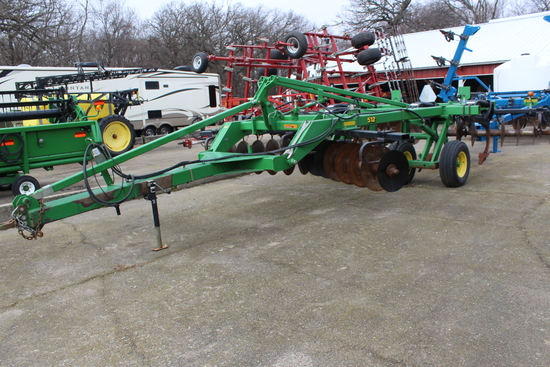 "JOHN DEERE 512 5 SHANK DISK RIPPER, 7"" POINTS,"