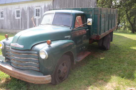 ***1950 CHEVROLET 6400 SINGLE AXLE TRUCK WITH 14'