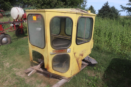 CAB FOR A 20 SERIES TRACTOR