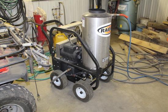 WHITCO HOT WATER PRESSURE WASHER, 220 VOLT