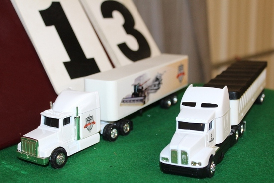 1/64 PETERBILT SEMI WITH TRAILER, GLEANER 75TH