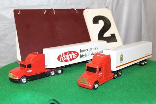 1/64 FREIGHTLINER SEMI AND TRAILER, ENGLAND,