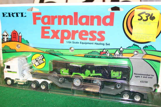 1/64 FARMLAND EXPRESS EQUIPMENT HAULING SEMI,