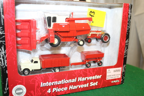 1/64 INTERNATIONAL 4 PIECE HARVEST SET, 815