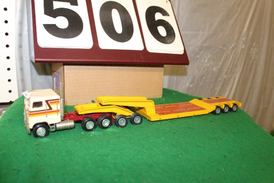 1/50 SEMI LOW BOY IMPLEMENT TRAILER WITH
