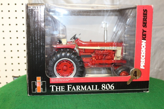 1/16 FARMALL 806, PRECISION KEY SERIES 4, THERE IS A KEY, NO WEIGHTS, BOX HAS WEAR