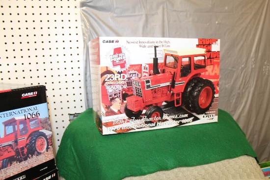 1/16 IH 1066, 23RD ANNIVERSARY TOY TRACTOR