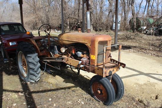 AC WC NF TRACTOR, 12.4-28 REARS, LIGHTS,