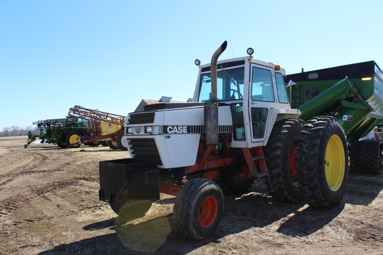 1982 CASE 2390 2WD TRACTOR, 4X3 POWERSHIFT,