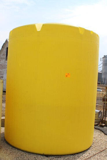 APPROX  2,500 GALLON YELLOW POLY TANK