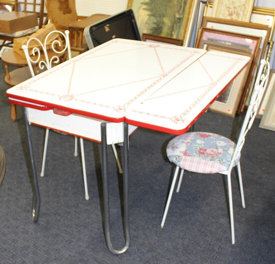 Enamel Drop Down Table, 2 Chairs