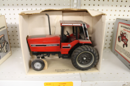 IH 5088 Toy Tractor, Singles, NIB, box has damage
