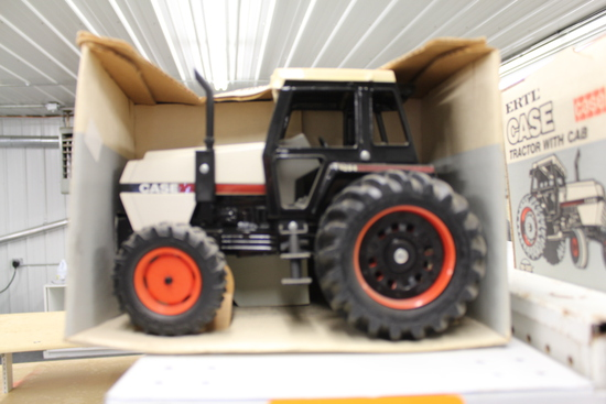 Case 3294 MFWD Toy Tractor, NIB, box has damage