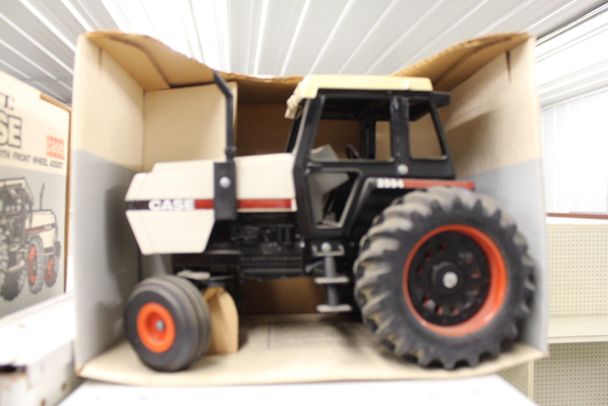 Case 2594 Toy Tractor, NIB, box has damage