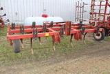 IH 5500 13 1/2' Mounted Chisel Plow, 13 Shank
