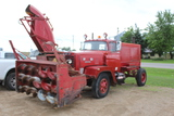 1970 FWD Tractioneer Snogo Truck, 4x4, 6 CYL INT Gas Engine, 3 Trans, 8' Sn