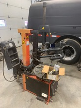 SNAP-ON TIRE CHANGER, MODEL EEWH311A