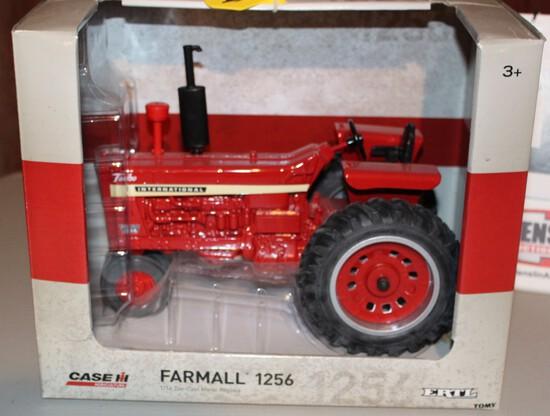 FARMALL 1256 TRACTOR 1/16TH SCALE TOY IN A BOX,  BOX HAS WEAR