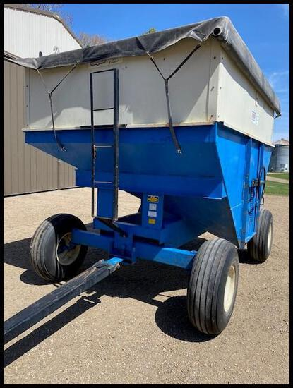 1985 DMI 280 BU Gravity Wagon, New Roll Tarp in 2014, 12.5L-15 SL Tires,