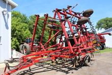 CaseIH 4300 Field Cultivator