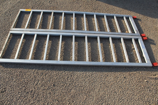 "Aluminum Folding ATV Ramps, 45""x7', 1000# Cap, Tax No Exemption, Located 52"