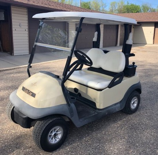 2004 CLUB CAR ELECTRIC GOLF CART, 48 VOLT CHARGER, ROOF, BALL WASHER, COOLE