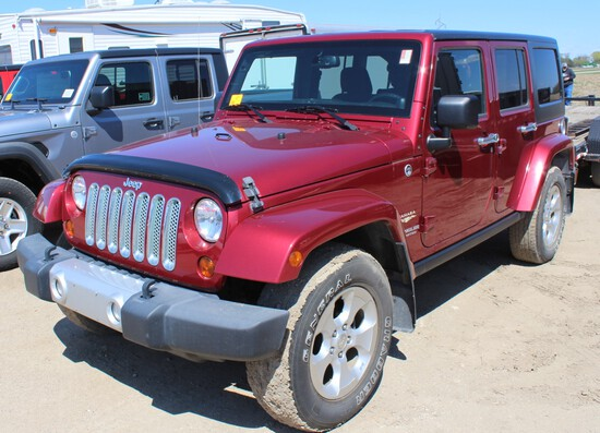 2013 Jeep Wrangler Unlimited Sahara 4x4, Trail Rated, Maroon, Black Int, Cl
