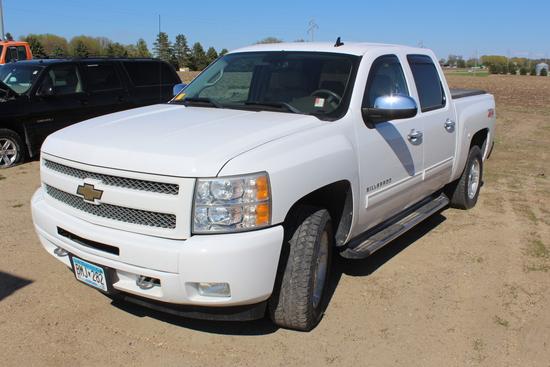 "2011 Chevrolet Silverado LTZ, Auto 4x4, 5.3L Flexfuel, 5'8"" Box, Dual Zone Climate Control,"