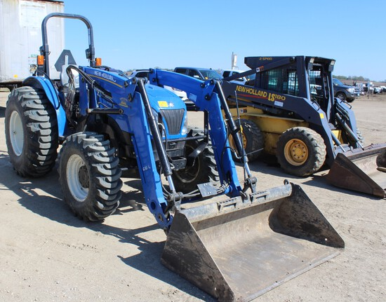2016 New Holland Workmaster 70 MFWD Tractor, Open Station, 18.4-24 R4 Rears