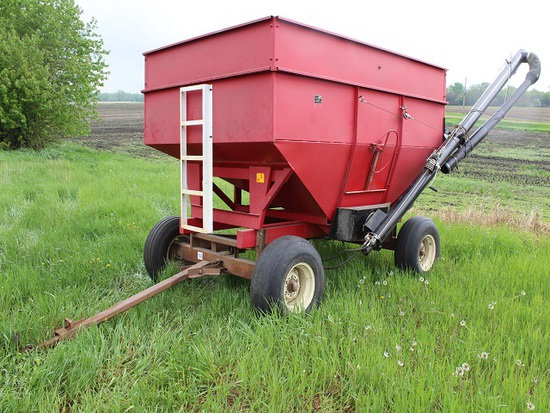 J&M Gravity Box Model 250-7, on Harms Bros 10 Ton Gear, with Auger Mate E-Z