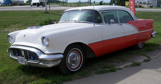 ***1956 OLDSMOBILE HOLIDAY 88,4 DR, HARD TOP, V-8,
