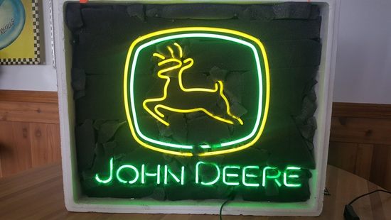 NEW JOHN DEERE NEON SIGN, NO SHIPPING
